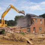 Особенности демонтажа дома с кирпича