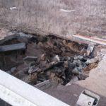 На границе Оренбургской и Самарской областей размыло трассу М-5