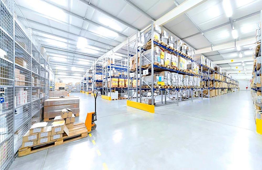 Оборудование для складских и торговых помещений