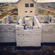 Применение твинблоков в строительстве малоэтажных зданий фото