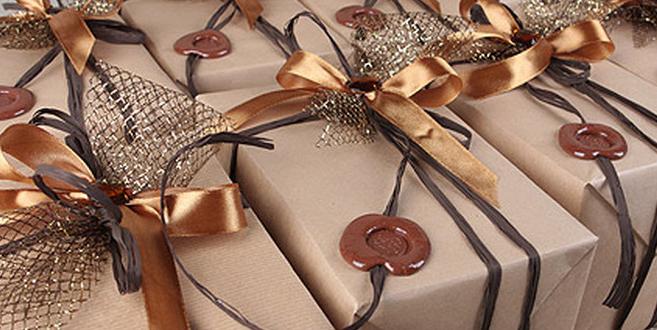 Корпоративный подарок, кому дарят и как его выбрать